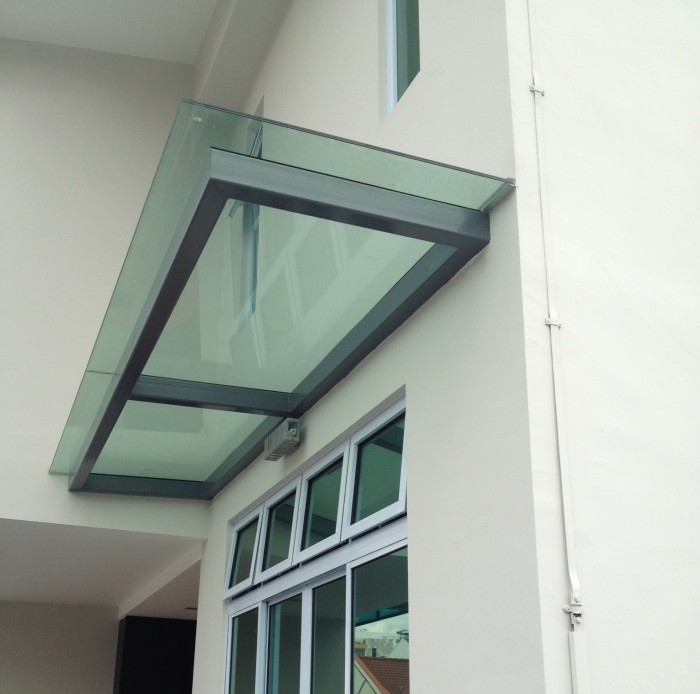 Glass shelter elite deco for Glass awnings for home